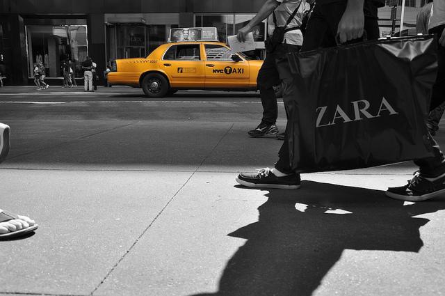 Zara Shopping Bag - CC 2.0 by dav.es