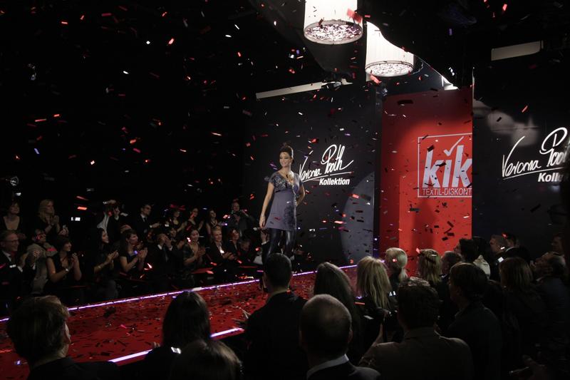 kik fashion show